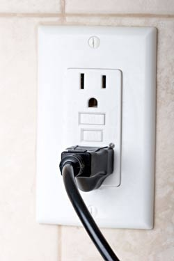 Branchement de chauffage électrique, installation de plinthe chauffante électrique et installation de prise électrique | Sylvain Gobeil Électricien Inc.